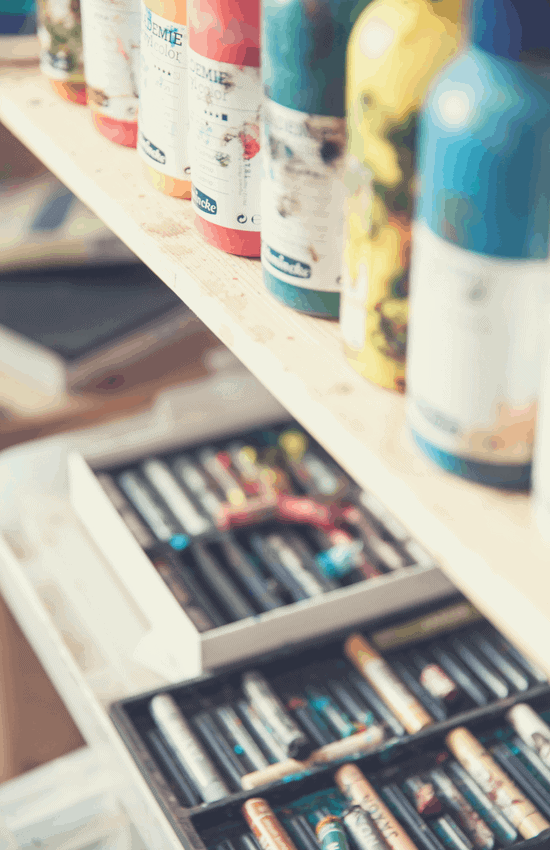 hobbies could boost your health_painting